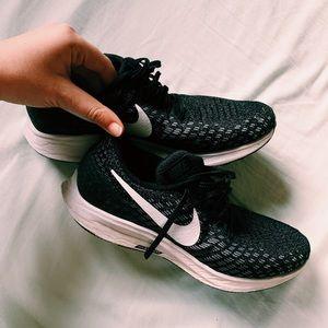 Nike Zoom Pegasus 35 Women's Sneakers